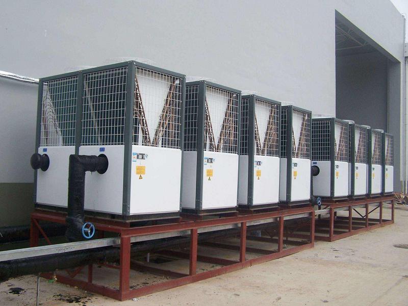 空气源热泵供暖系统