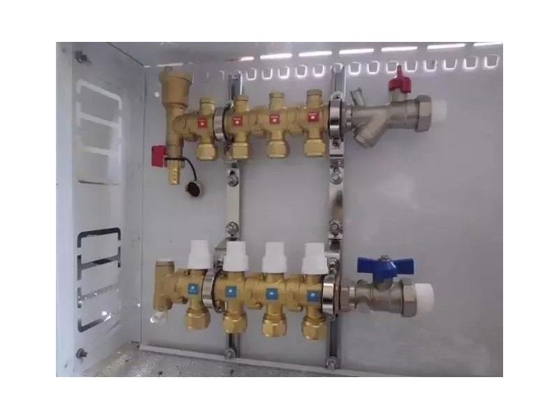 地暖分水器安装及使用