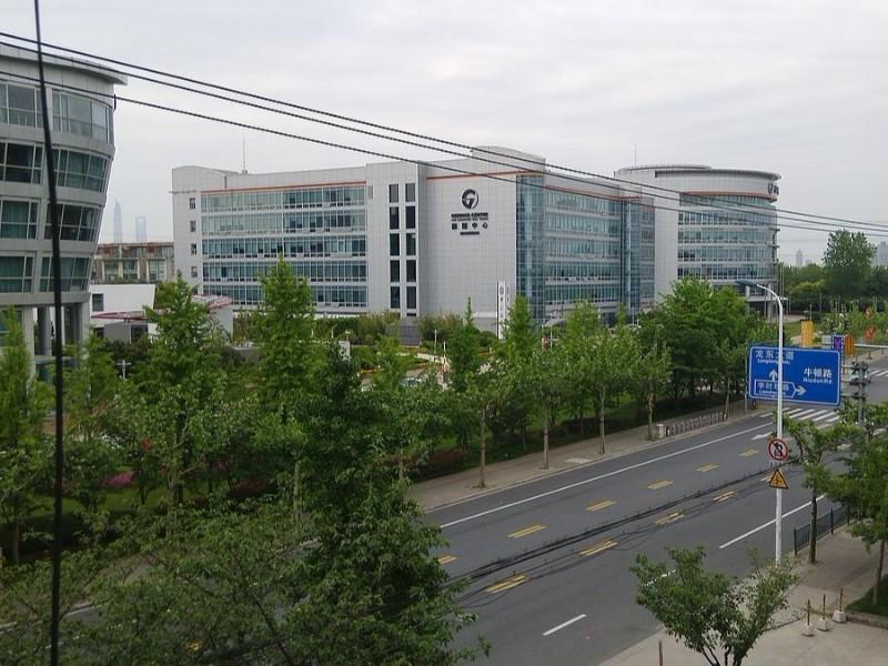 上海盛迪医药空气能热水采暖系统工程